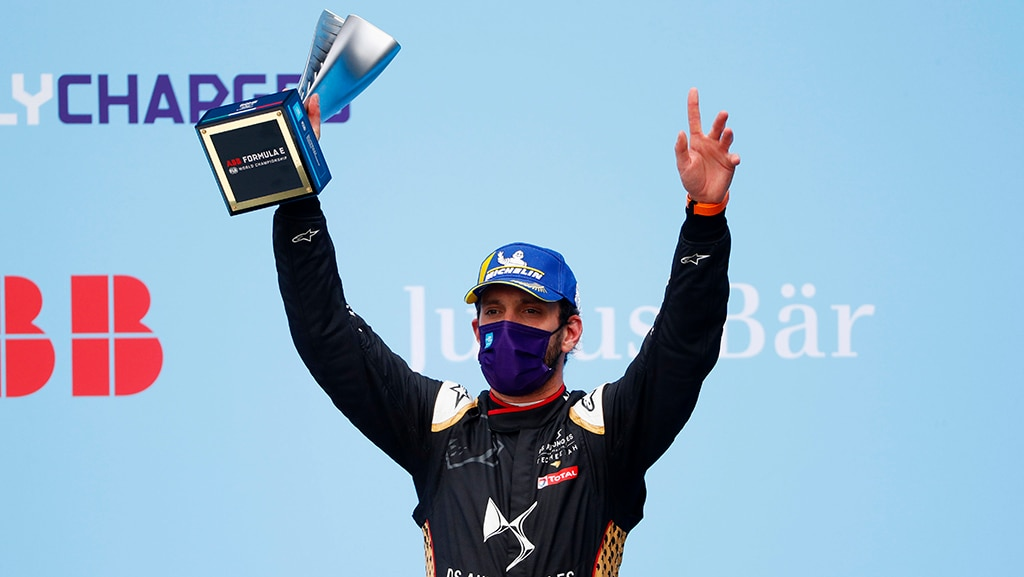 CIRCUITO CITTADINO DELL'EUR, ITALY - APRIL 10: Jean-Eric Vergne (FRA), DS Techeetah, 1st position, raises his trophy on the podium during the Rome ePrix I at Circuito Cittadino dell'EUR on Saturday April 10, 2021 in Rome, Italy. (Photo by Alastair Staley / LAT Images)